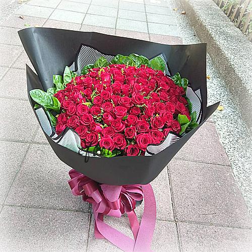 摯愛百朵紅玫瑰花10225
