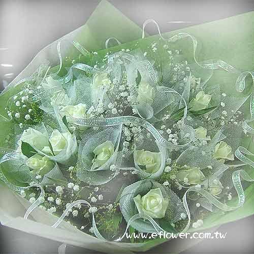 御花苑-白玫瑰花束握住幸福的花禮1027-花店最佳排行榜